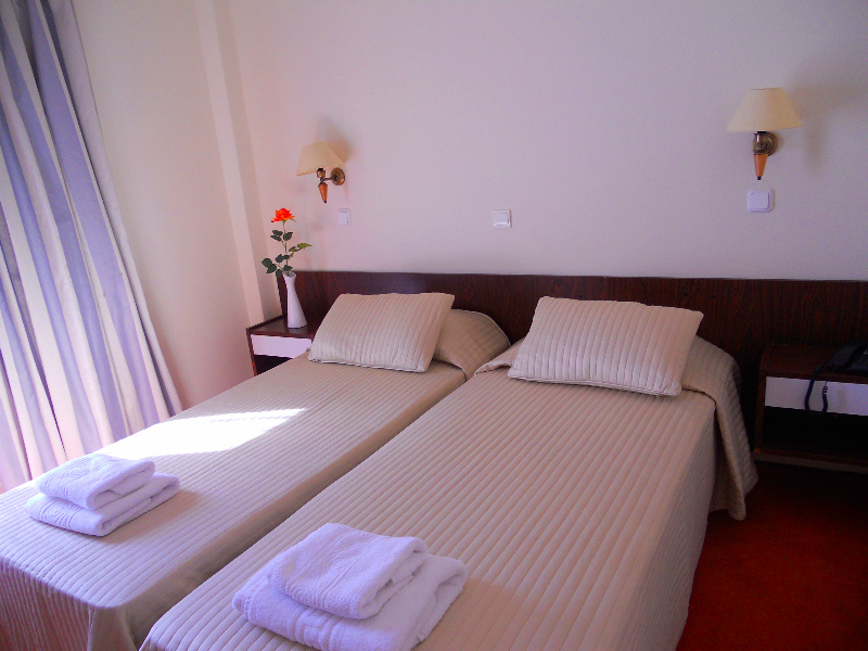 http://hotel-arion.gr/wp-content/uploads/2015/03/room3.jpg